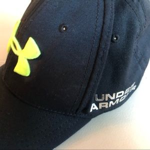 08e9d8be Under Armour Accessories | Chicago Cubs Youth Snapback Hat | Poshmark